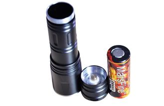 China high lumen Super bright Camping LED Zoom Flashlight with battery supplier